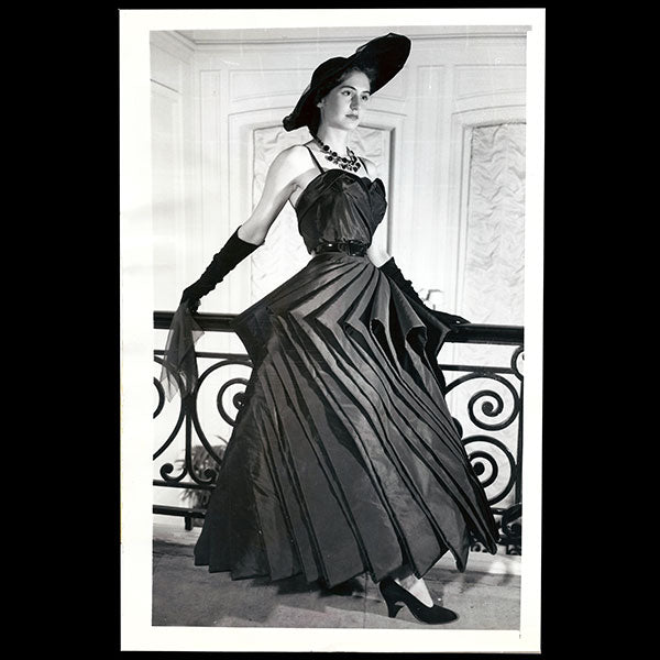 Christian Dior - Robe Cyclone (1948)