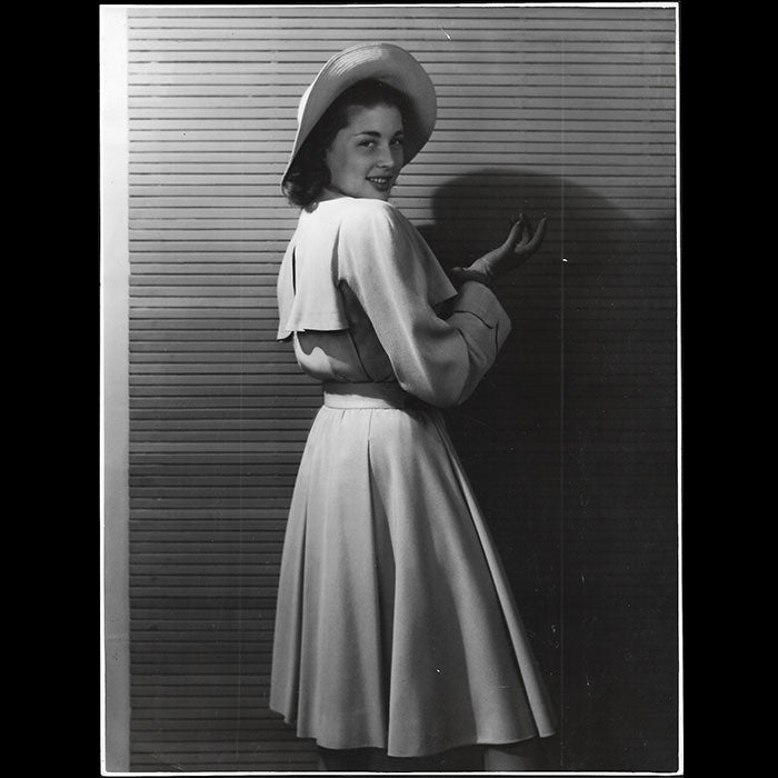 Carven - Robe, photographie de Philippe Pottier (1946)