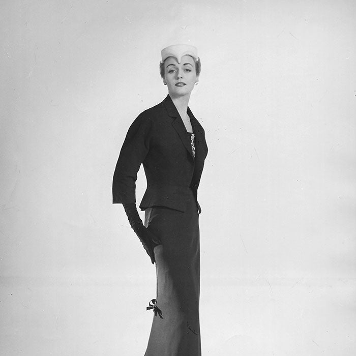 Christian Dior - Ensemble du soir Night club par Willy Maywald (1953)