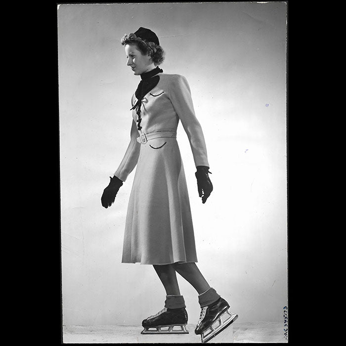 Jacques Heim - Murren, tenue de patinage, tirage de Luigi Diaz (1937)