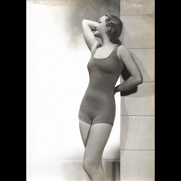Maillot de bain porté par Amy Colin, Miss Paris 1935, tirage d'Isabey