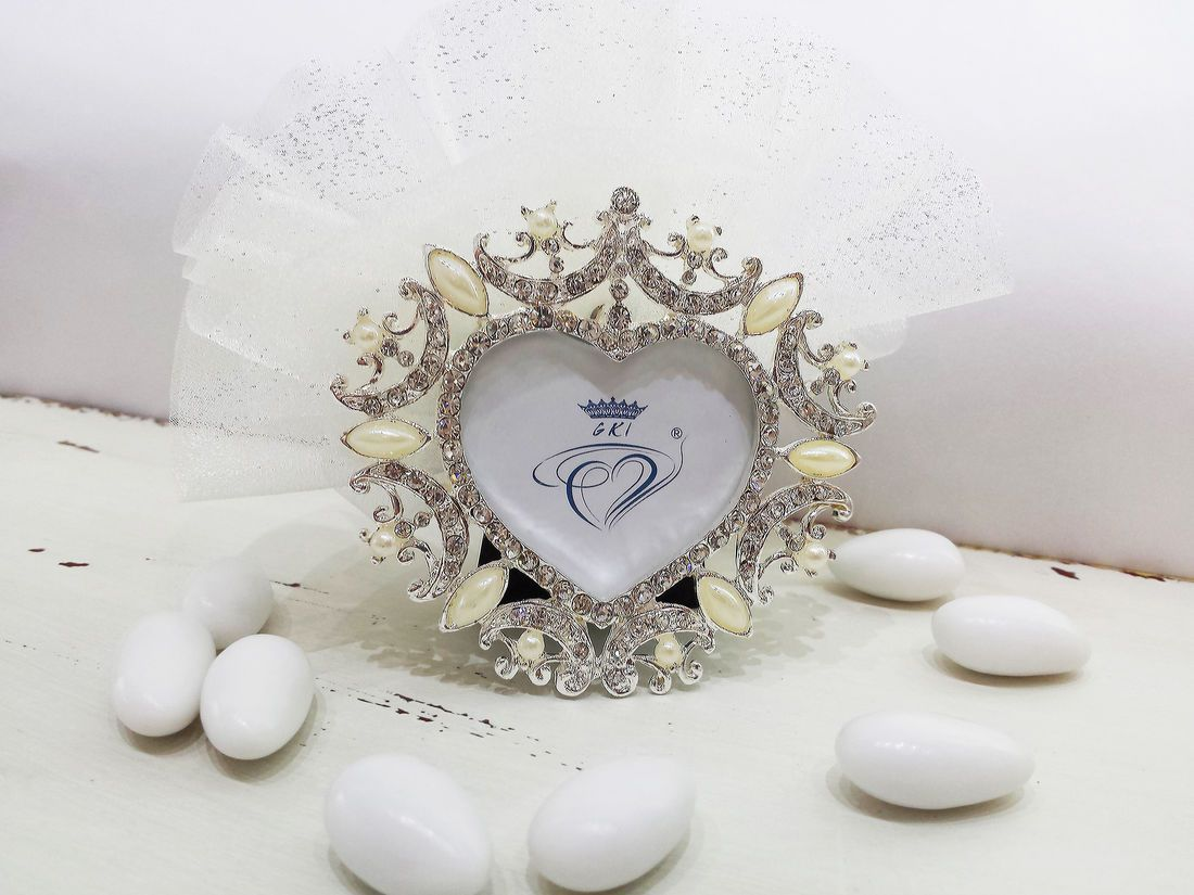 royal-heart-picture-frame-handmade-wedding-bomboniere