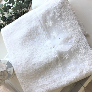 soft-lace-with-sheer-bow-greek-orthodox-christening-content-blanket