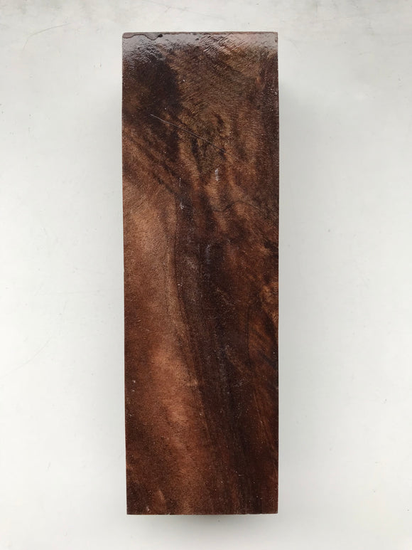Walnut 128 x 41 x 26 mm