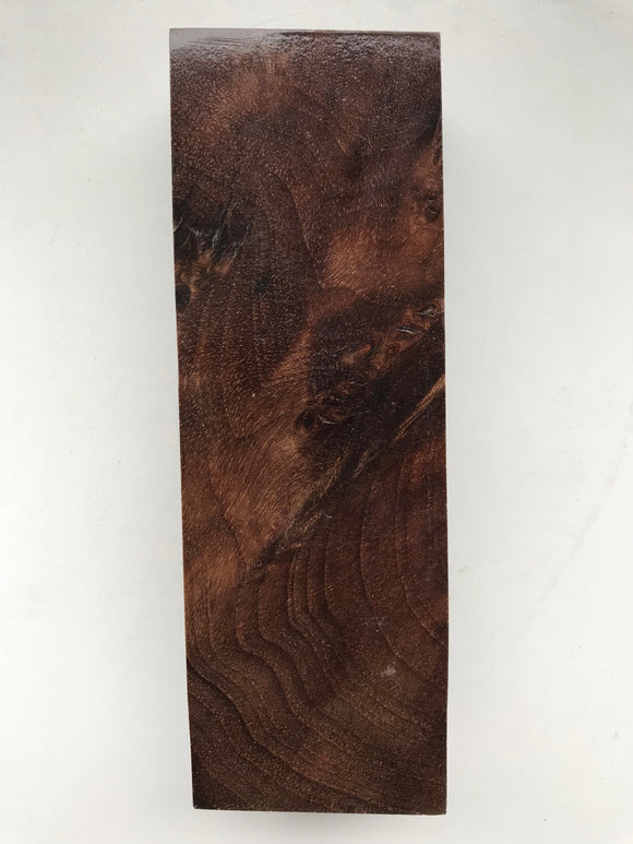 Walnut 125 x 42 x 25 mm