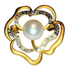 Beautiful Pearl and Crystal brooch pin