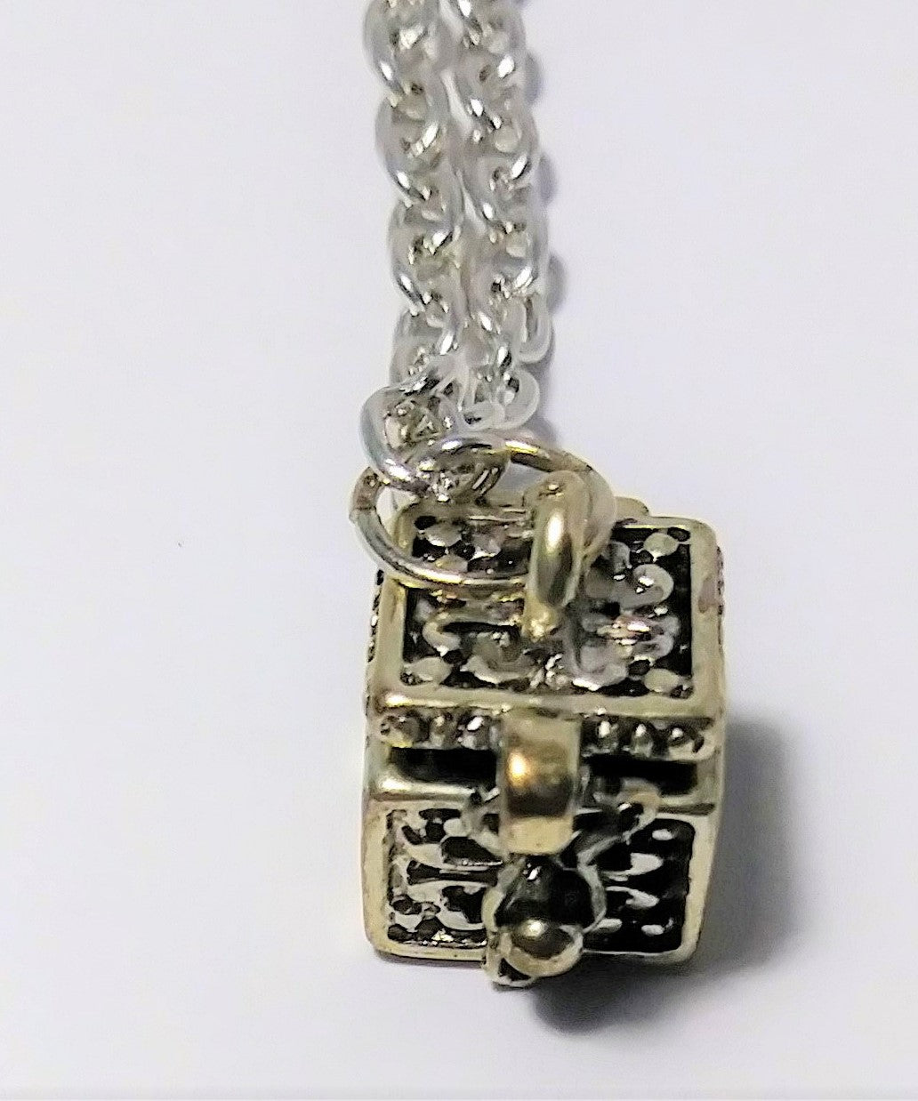 "Sterling silver cute small pray/wishing box lucky charm necklace (18"" long)"