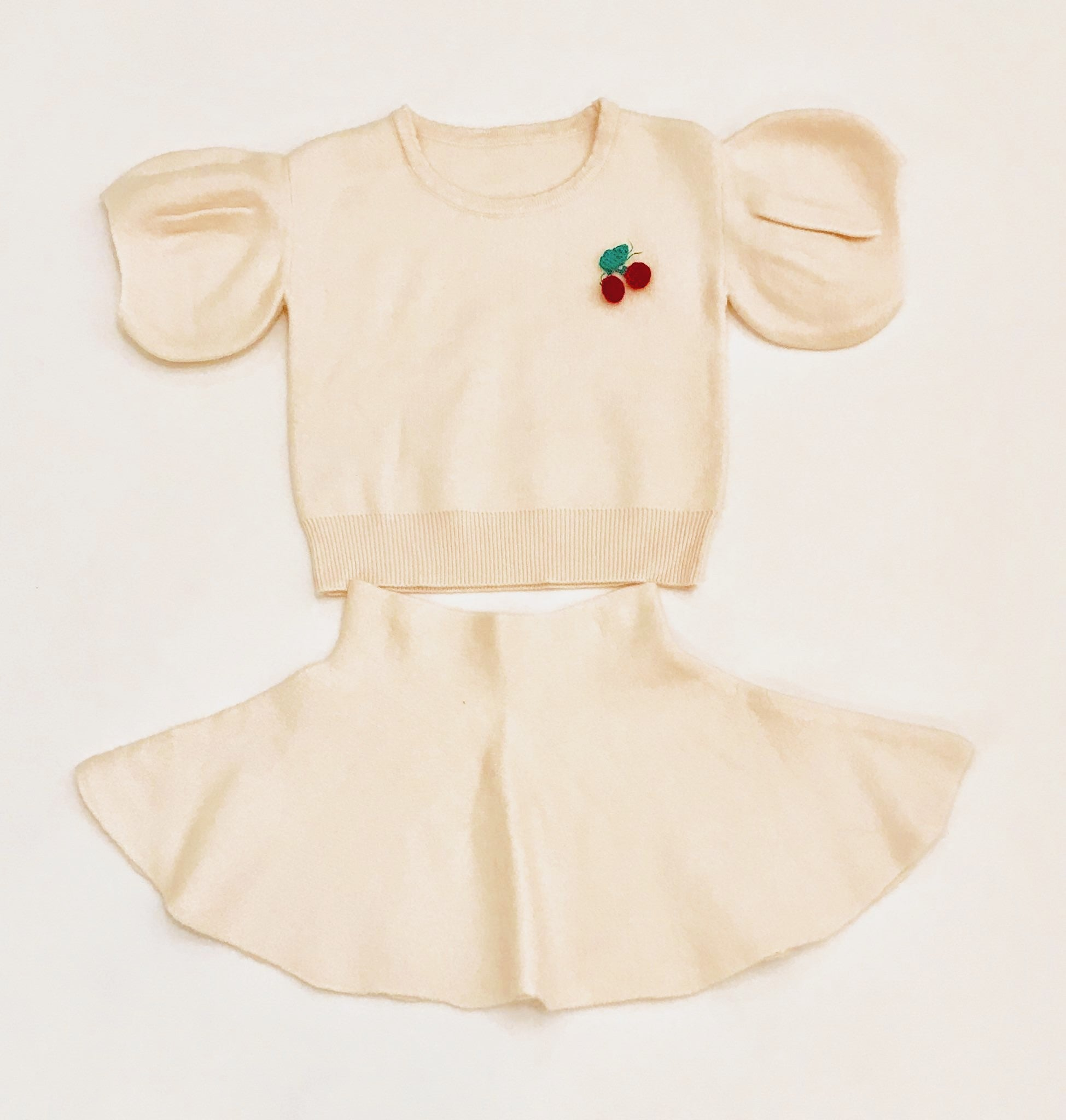 White bell sleeve toddler sweater dress (2 pieces)