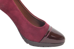 This beautiful soft padded comfortable high heels (Burgundy suede and black)