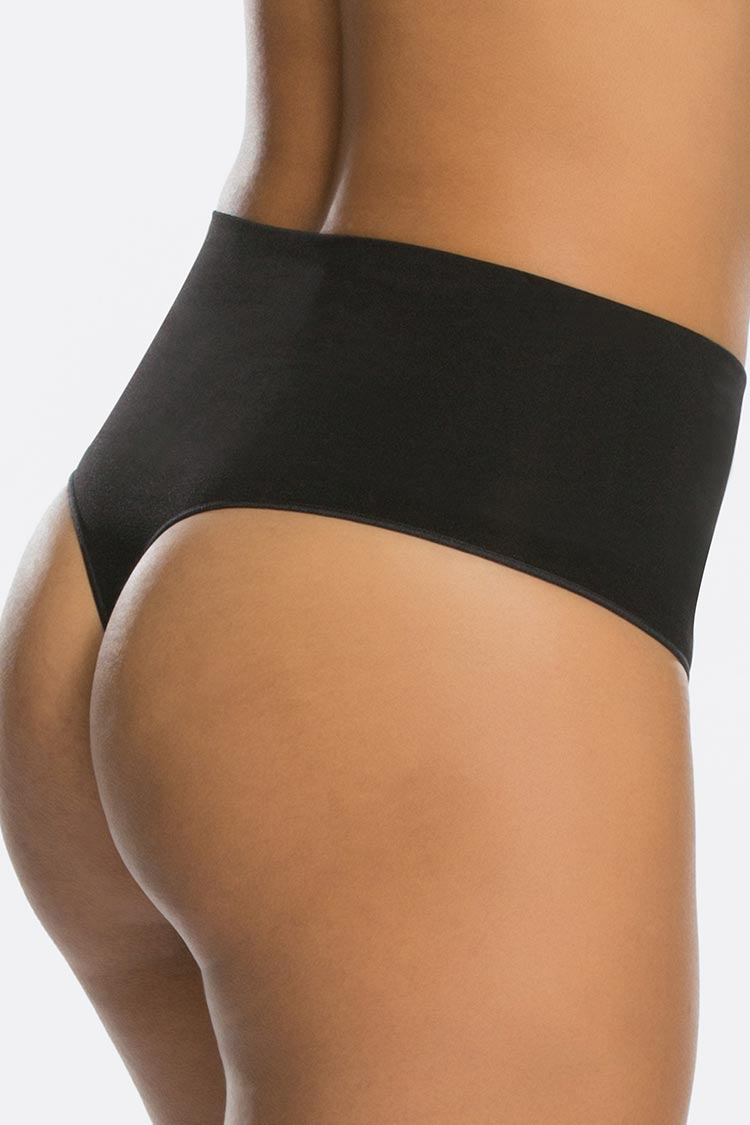 SPANX Everyday Shaping Thong Schwarz Hinten