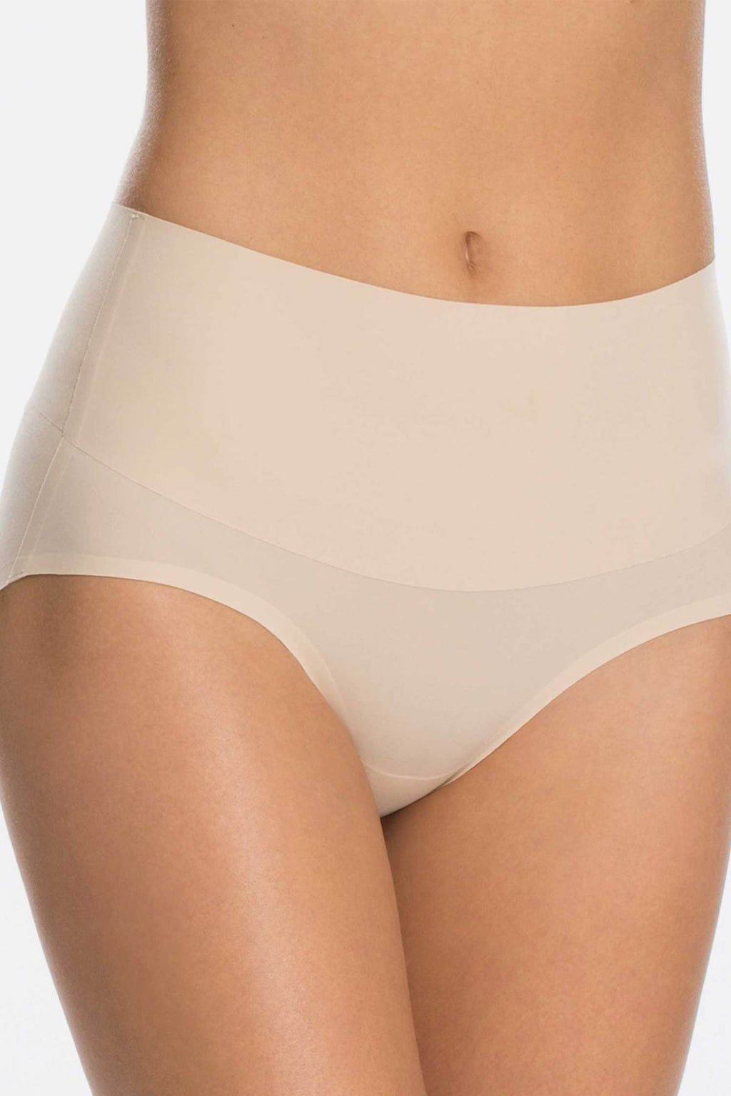 SPANX Undie-tectable Brief Nude Vorne