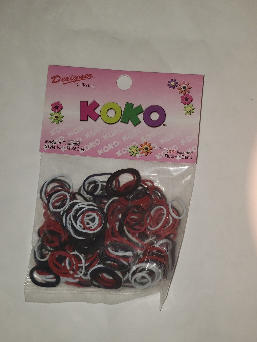 Koko 300 pcs Black, White & Red Rubber Bands