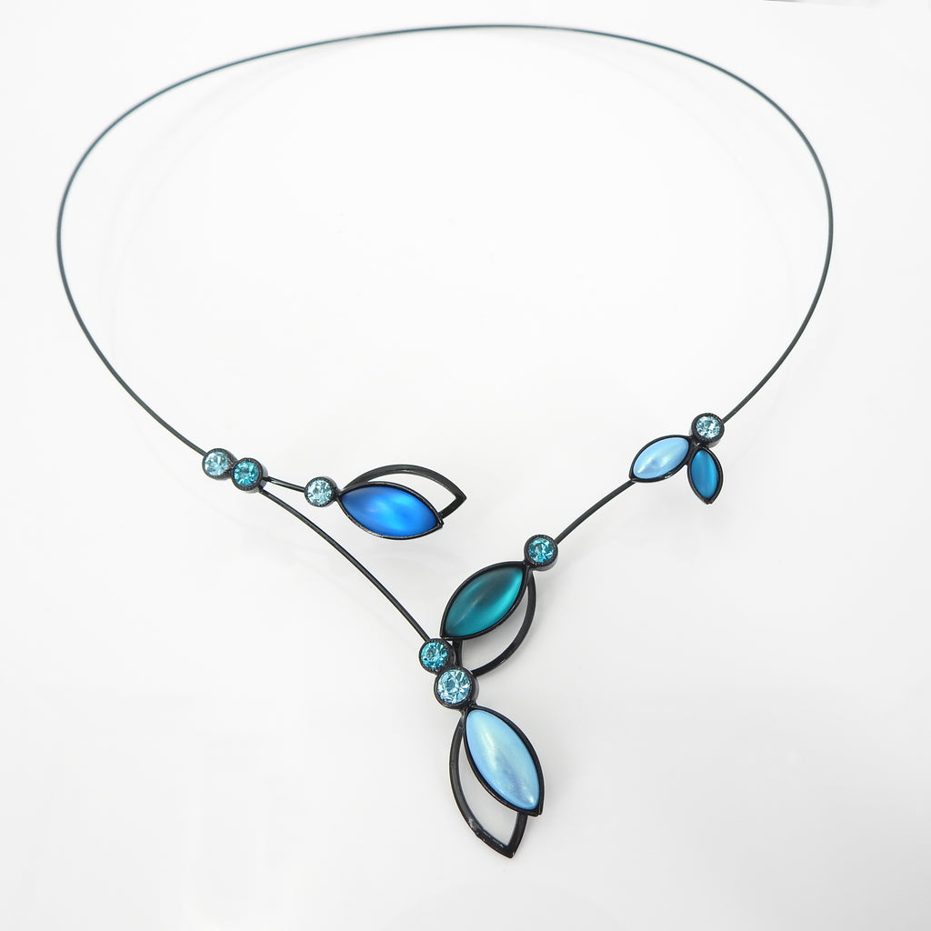 Double Leaf Branch W Crystal Memory Wire Necklace