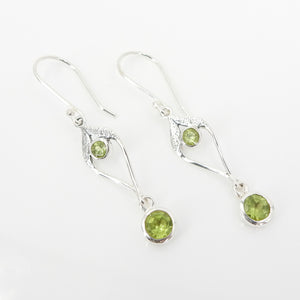 S/S Peridot Earring W Drop