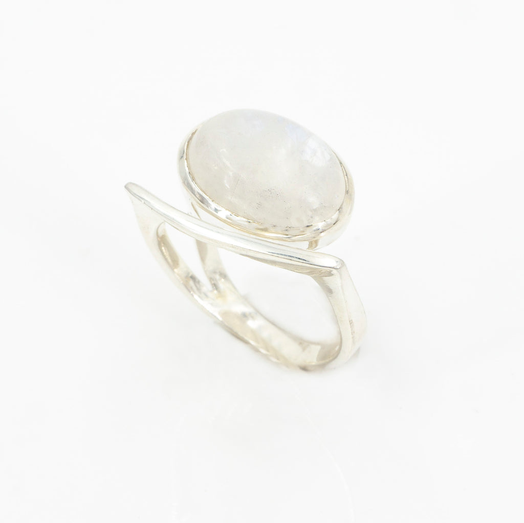 S/S Rainbow Moonstone Ring 6.5