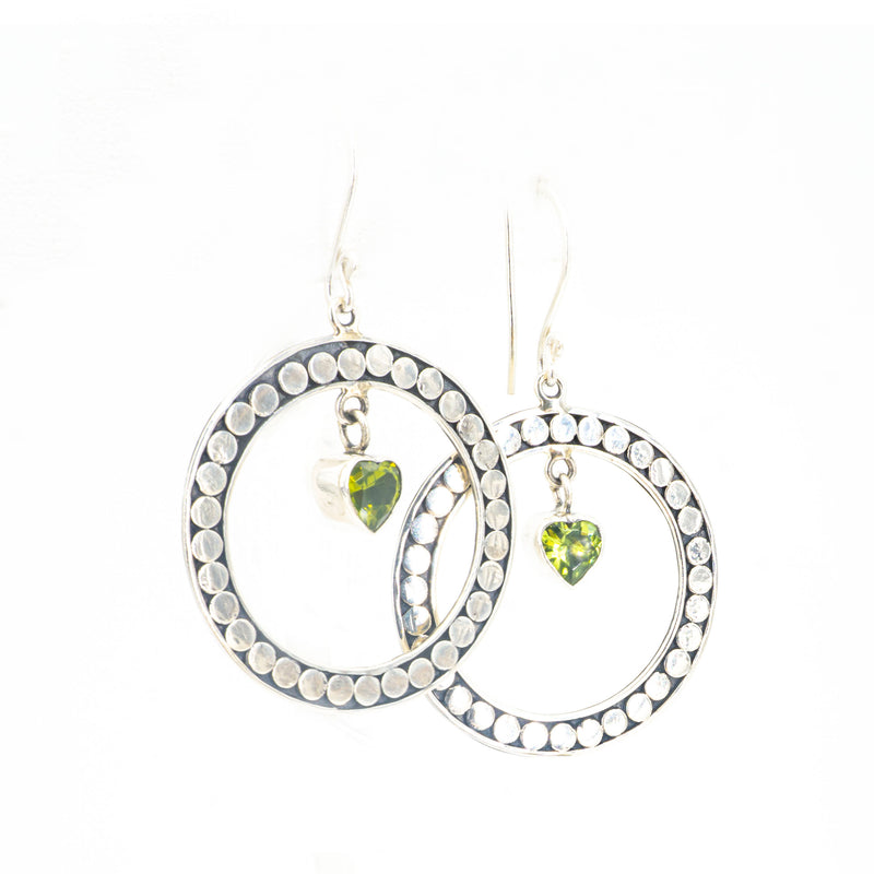 S/S Peridot Heart W Granulated Earrings