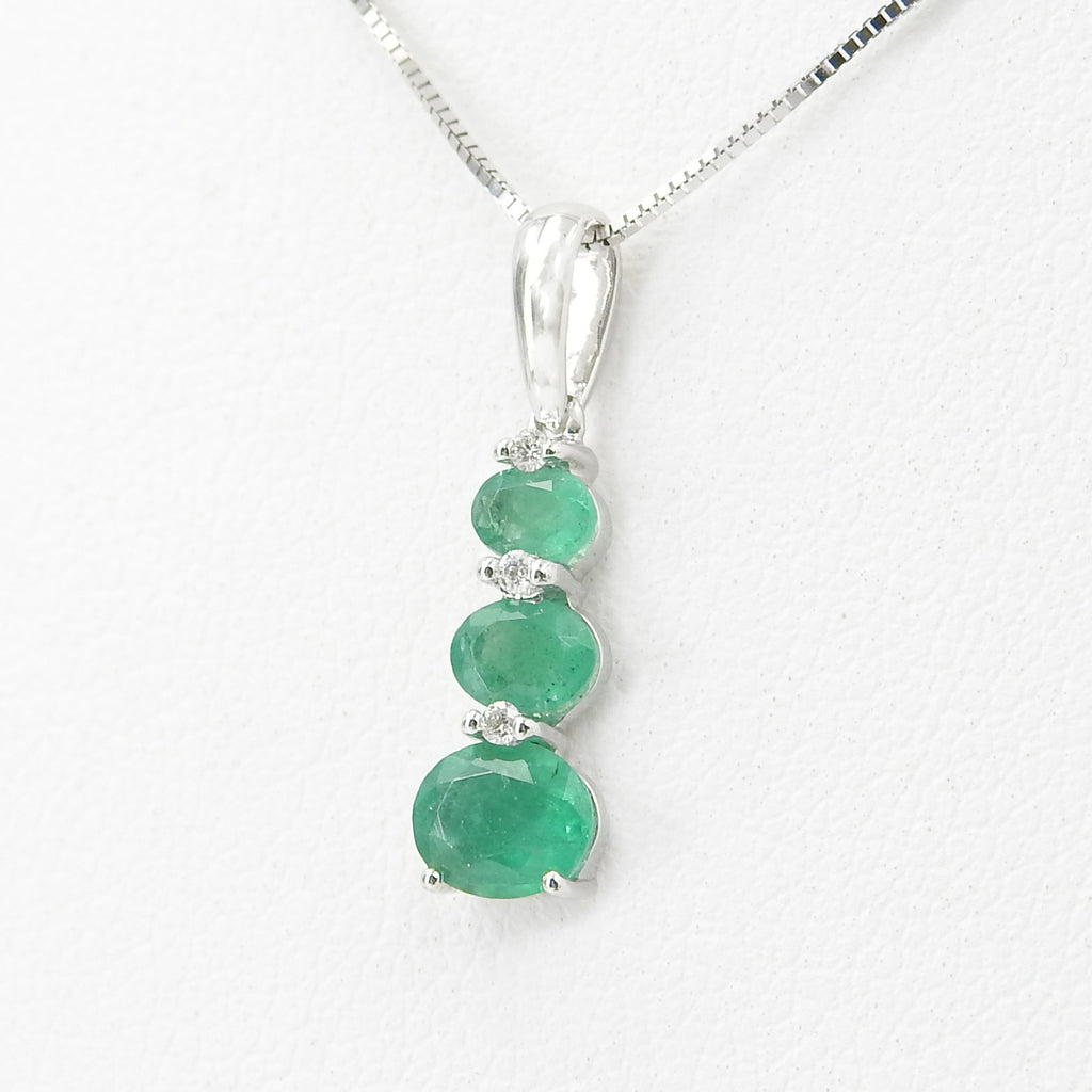 14KT White Gold Emerald Diamond Pendant
