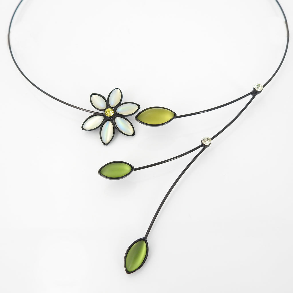Small Flower W Leaves Memory Wire Necklace
