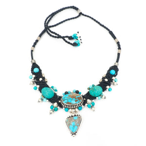 S/S Turquoise W Silver Knotwork Necklace