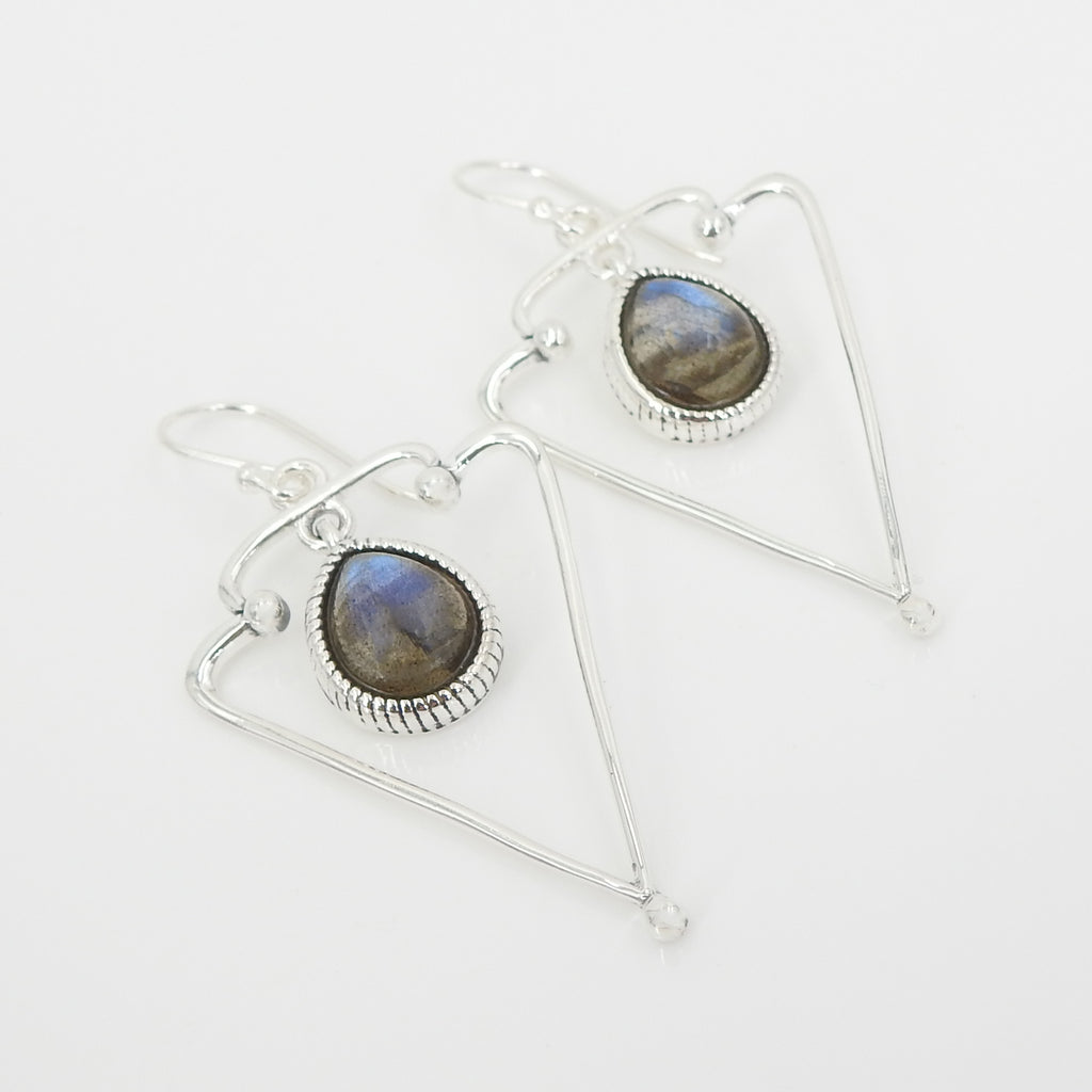 S/S Labradorite Triangle Earring