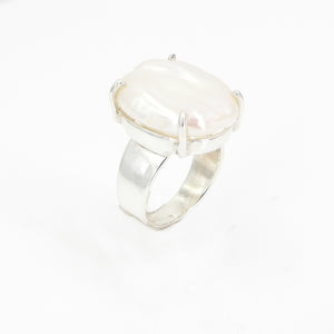 S/S Pearl Ring Size 8