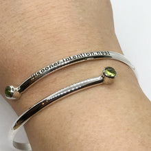 Load image into Gallery viewer, what3words Peridot Bangle