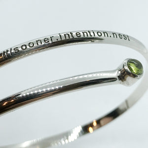 what3words Peridot Bangle