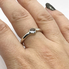 Load image into Gallery viewer, Topaz what3words Ring in Sterling Silver