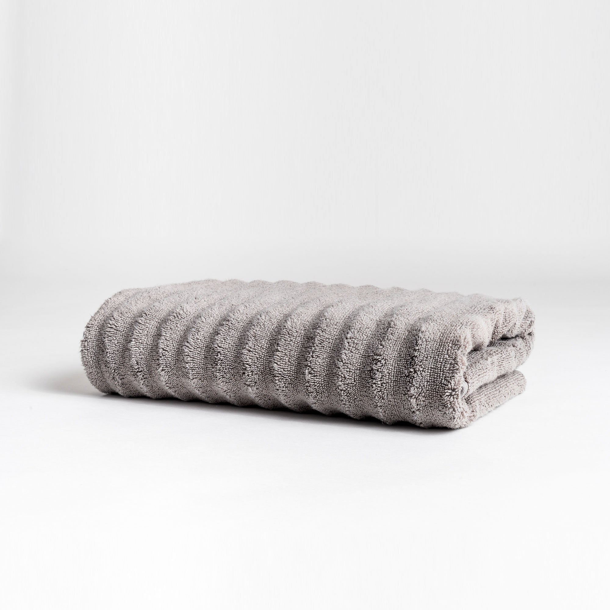 Zero-Twist Wavy Bath Towel