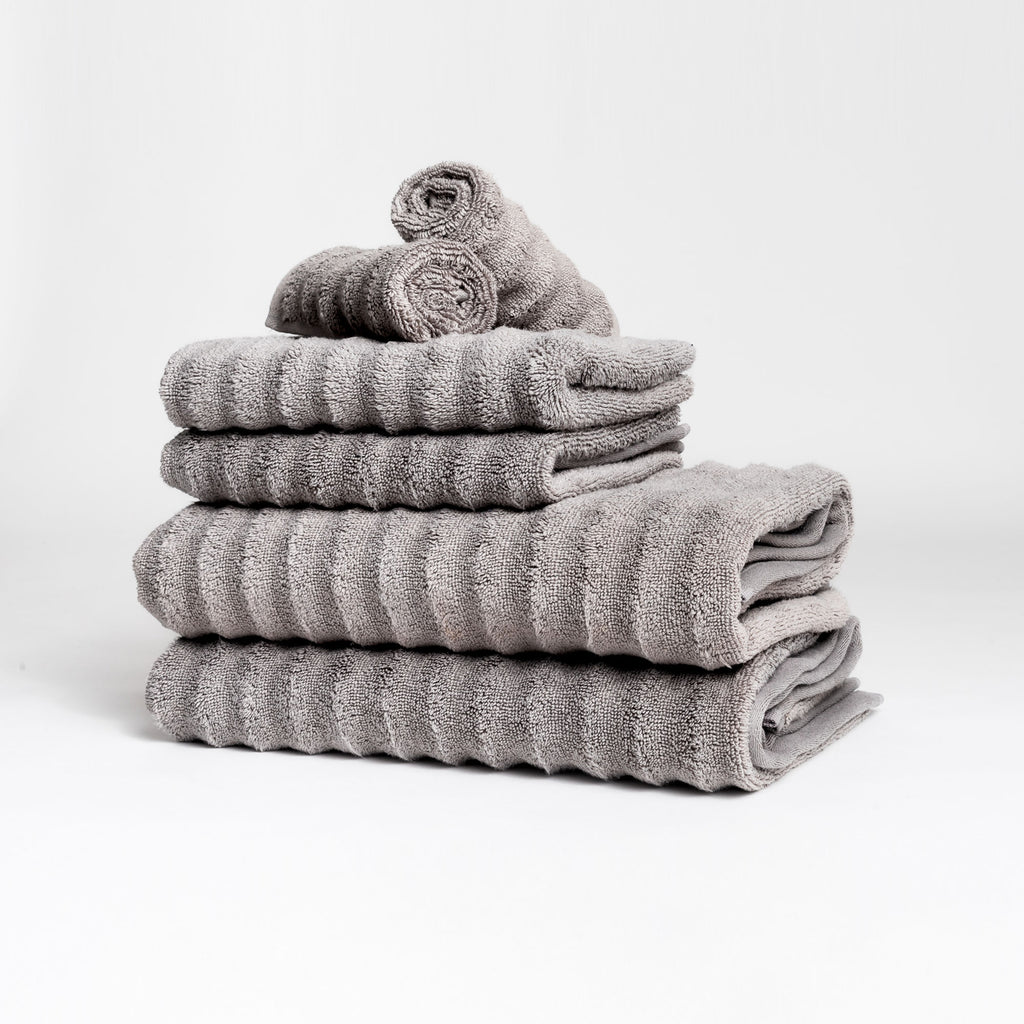 Zero-Twist Wavy Towel Set