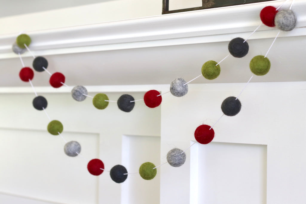 Cozy Christmas Garland