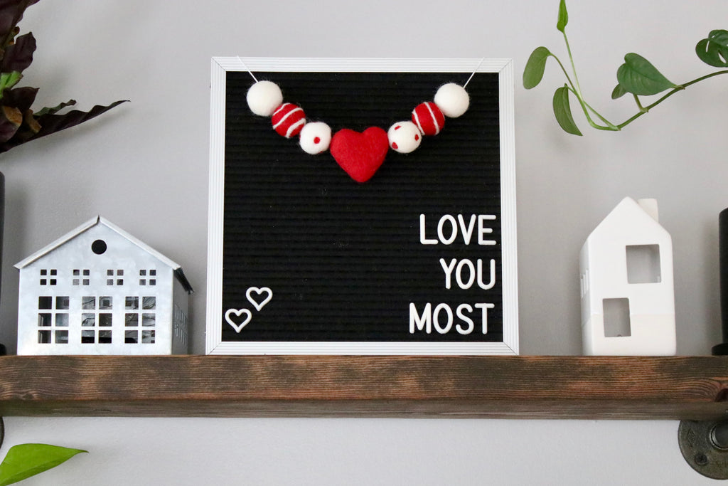 Red and White Heart Letter Board Garland