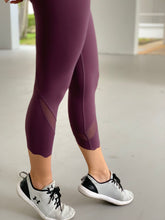 Load image into Gallery viewer, PRANA-Scallop Cropped Leggings