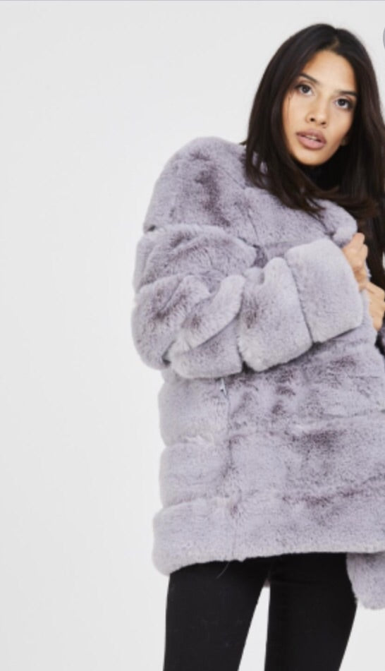 Cosy 7 Panel Faux Fur Coat - Grey