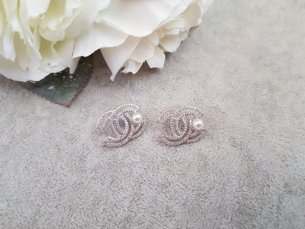 Designer Inspired Diamonte & Pearl Earrings