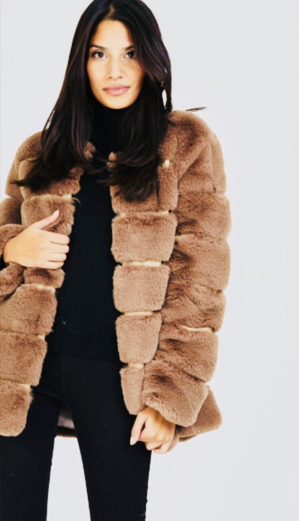Cosy 7 Panel Faux Fur Coat - Brown
