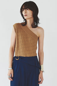 One-shoulder Cable Knit