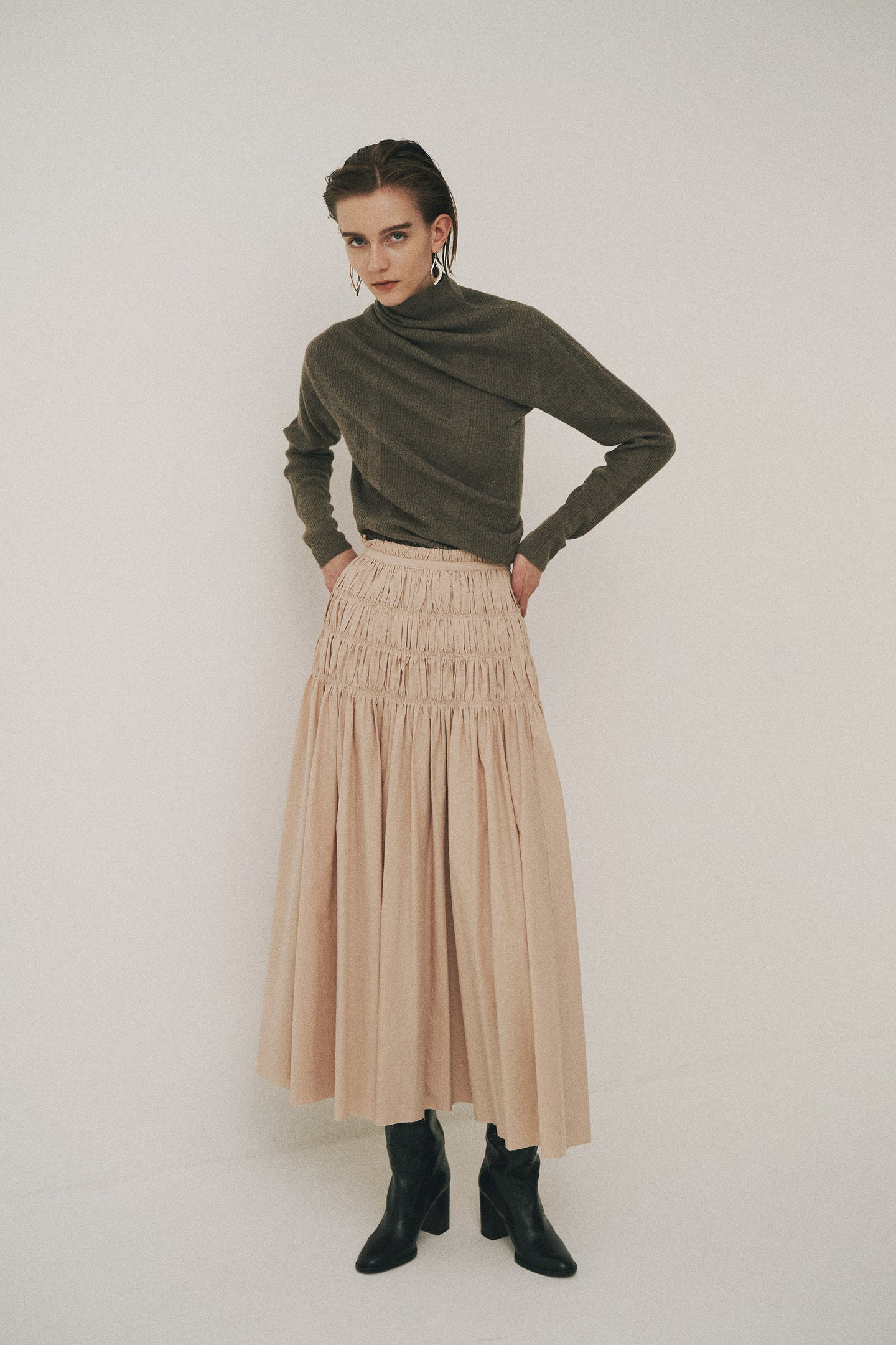 Back Taped Voluminous Skirt