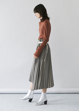 Pleated Belt Skirt