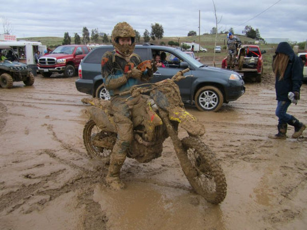 Adding-a-few-pounds-of-mud-after-MX-race-768x576