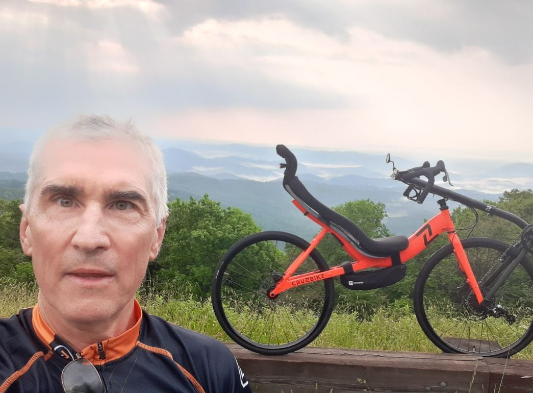 Larry Oslund and his Cruzbike S40 on the Blue Ridge Parkway