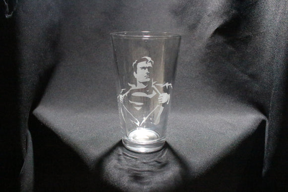 Superman Inspired Silhouette Pint Glass