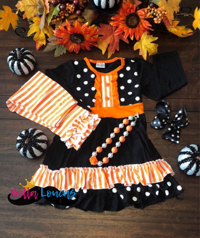 products/halloween-striped-ruffle-set-group-bella-loucas_102.jpg