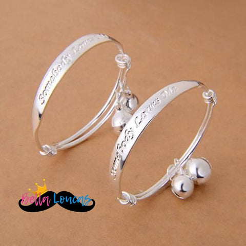 products/somebody-loves-me-adjustable-silver-bracelet-restocked-facebook-group-bella-loucas_910.jpg