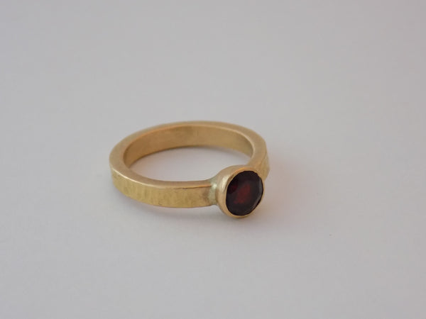 18K Yellow Gold Ring with Gemstone