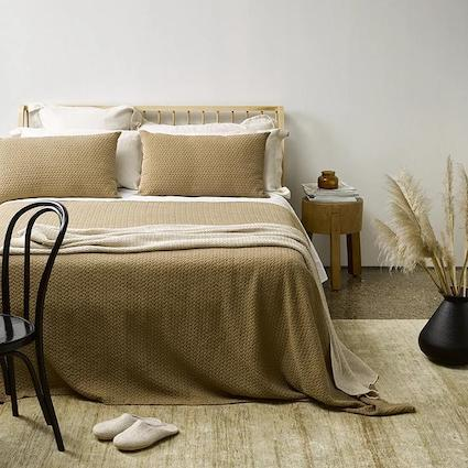 Thread Design Siesta Bed Set