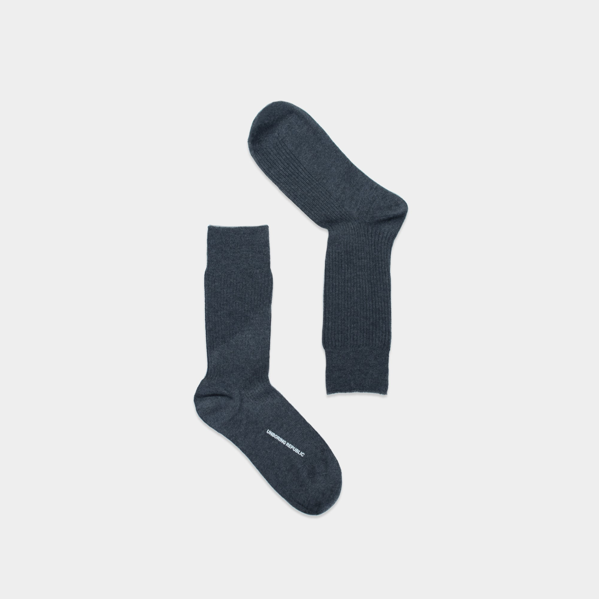 BASIC THICK CHARCOAL CREW SOCKS