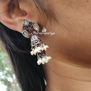 Kemp with Kundan earrings