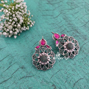 Kundan earrings in contemporary mode