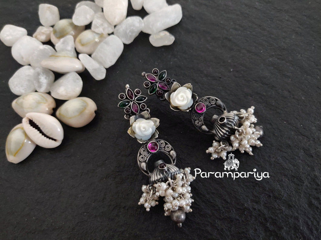 Carved pearl Inimitable earrings